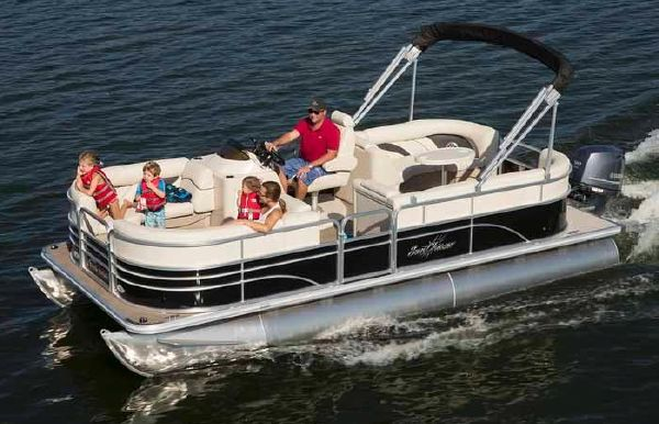 2017 SunChaser Classic Cruise 8520 Lounger