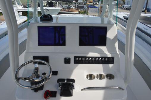 Cape Horn 31T image