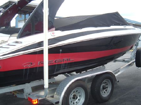 Regal 2100 Bowrider image