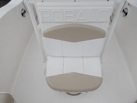 Robalo R202 Explorer image