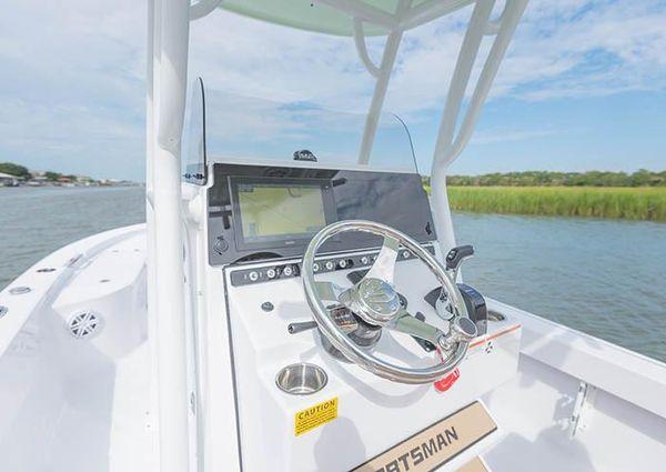 Sportsman Masters 247 Bay Boat image
