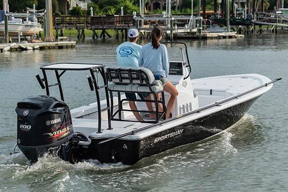 2019 Sportsman Tournament 214 Bay Boat Carolina Outboard