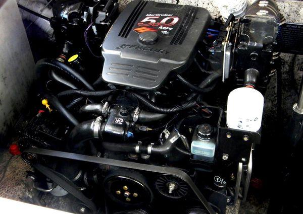Rinker Fiesta Vee 320 EXPRESS image