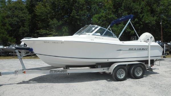 Sea Hunt 207 Escape