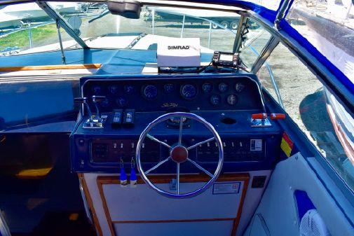 Sea Ray 300 Weekender image