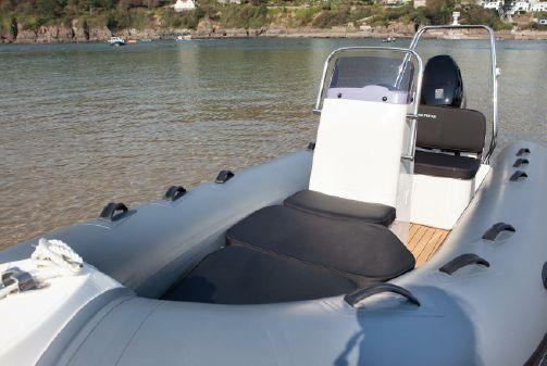 Brig Falcon Tender 420 image