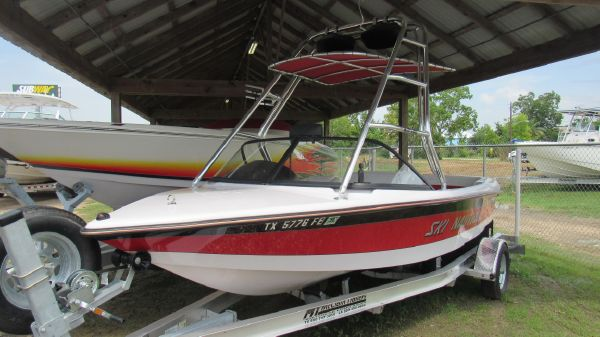 Correct Craft Ski Nautique 176