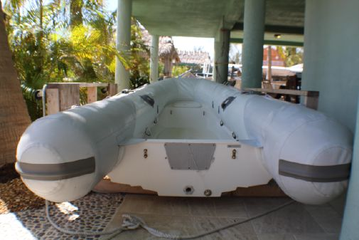 Leopard 37 Powercat image