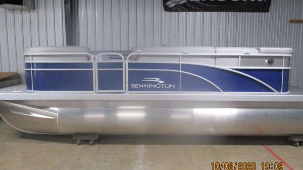 Bennington 20 SV 8631