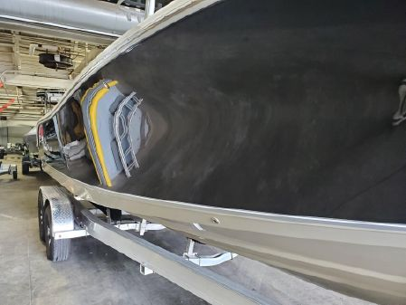 NauticStar 2602 Legacy Center image