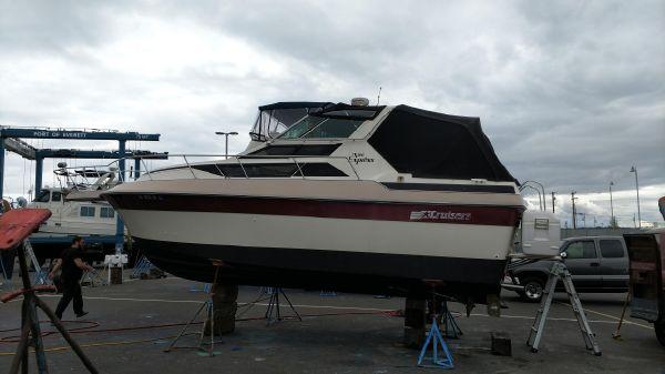 Cruisers Sport Series 26 Vee Express