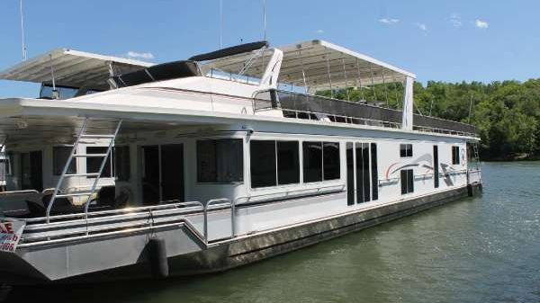 Fantasy Yachts 17x84 widebody