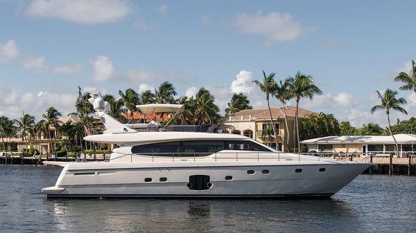 Ferretti Yachts Flybridge Motor Yacht