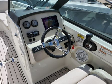 Boston Whaler 230 Vantage image