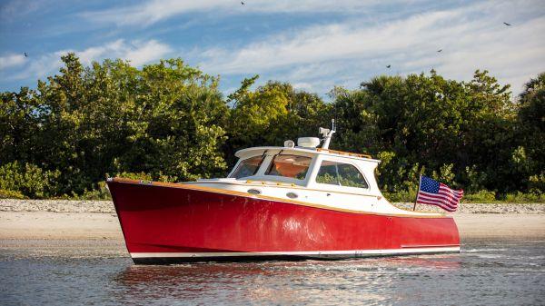 Hinckley Picnic Boat EP