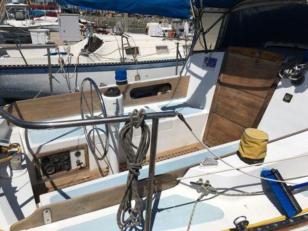 Newport 30 image