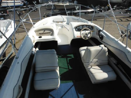 Sea Ray 195 Bow Rider image