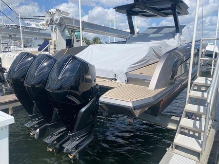 Vanquish Yachts VQ 40 image