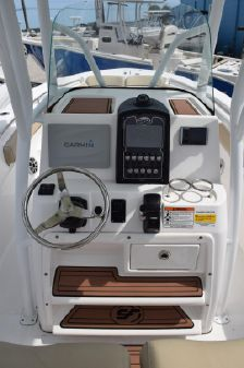 Sea Fox 246 Commander image