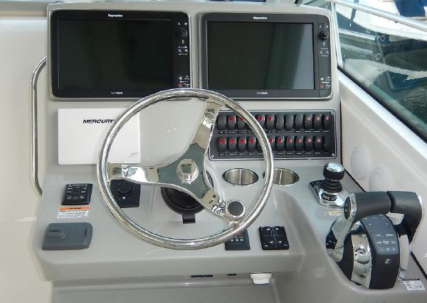 2018 Boston Whaler 345 Conquest Pilothouse - 6419999