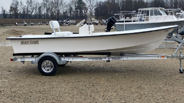 May-Craft 1700 Center Console