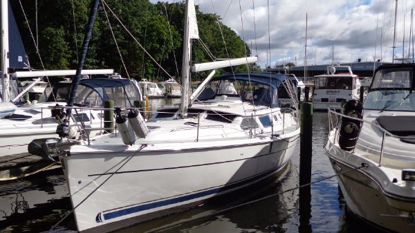 Hunter 44 Deck Salon profile1