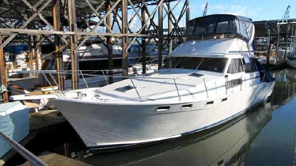 Bayliner 3818 Flybridge Sedan