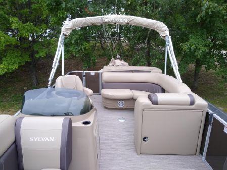 Sylvan 820 Mirage Cruise image