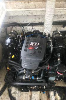 Rinker Fiesta Vee 320 image