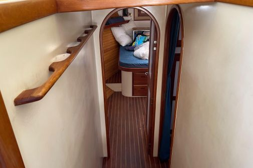Duffy 42 Flybridge Cruiser (finished and launched in 1999) image