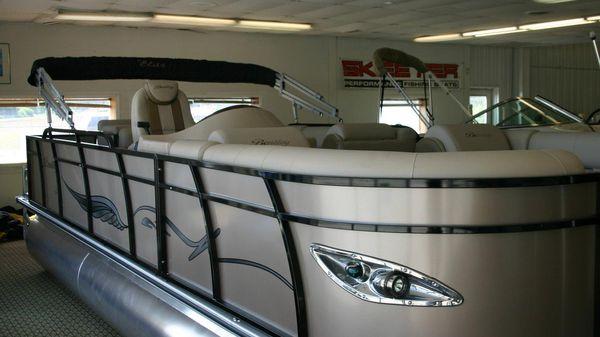 Bentley Pontoons 220 Elite