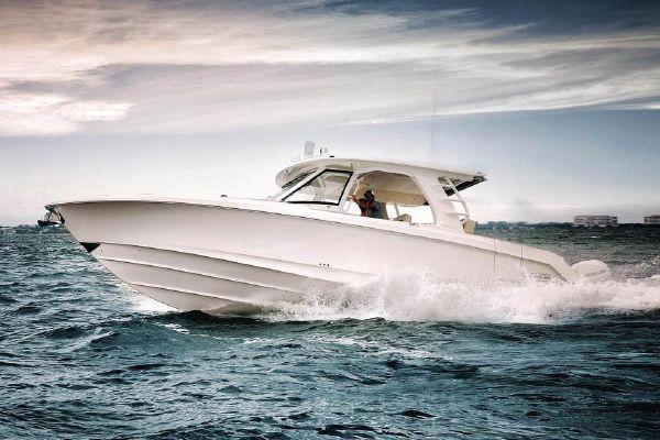 2018 Boston Whaler 350 Realm - 6350309