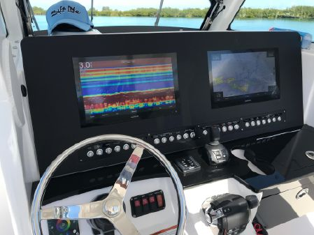 Everglades 365 CC image