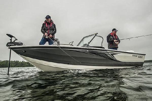 Crestliner 2150 Sportfish SST - main image