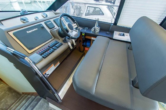 2015 Prestige Flybridge Buy Sell