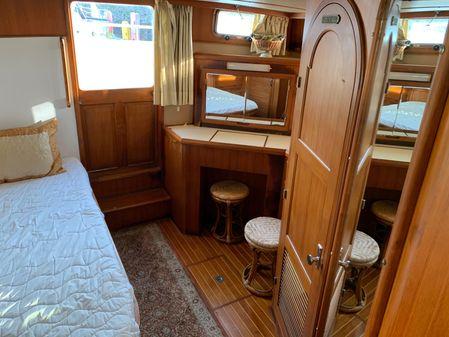 PT Cockpit Motoryacht image