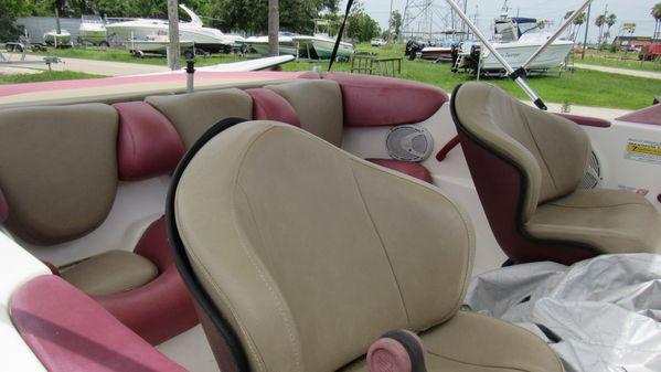 Sea-Doo Sport Boats Challenger 1800 image
