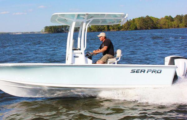 2019 Sea Pro 208 Bay