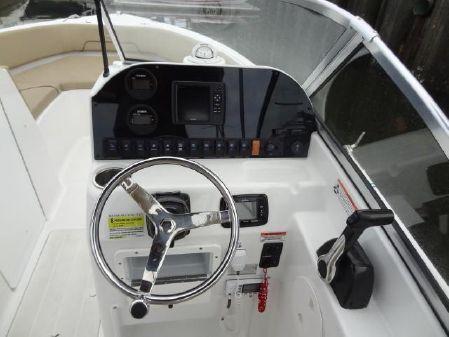 Sea Hunt 235 Escape Dual Console image