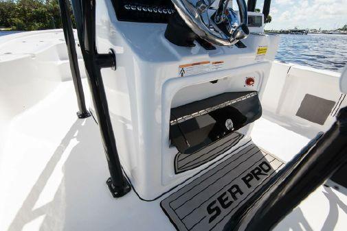 Sea Pro 248 Bay image
