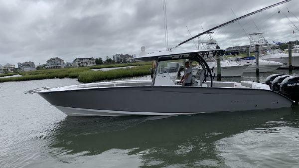 Cape Horn 36 XS with Furuno Sonar