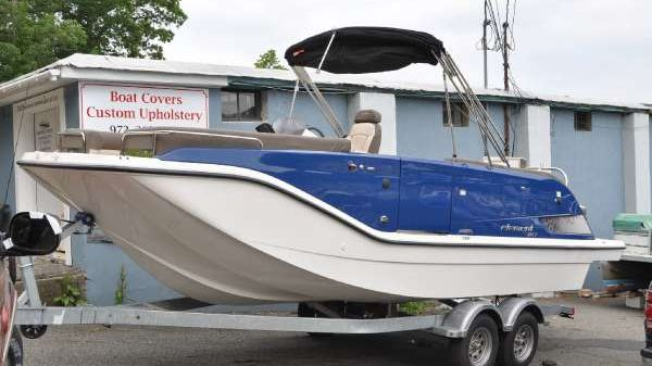Bayliner XR 7