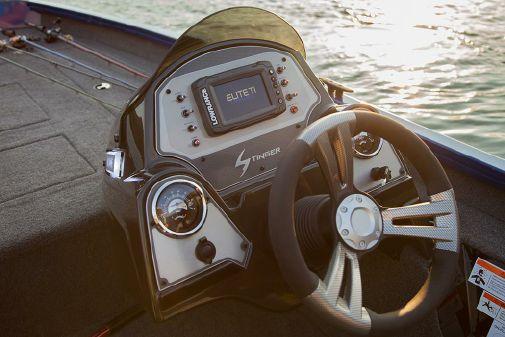 Lowe Stinger 195 Dual Console image