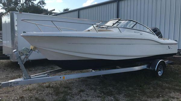Scout Boats Dorado 210
