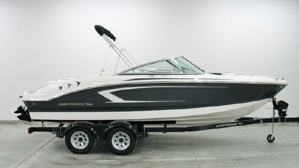 Chaparral 21 H2O Sport 2018 Chaparral H2O 21 Sport Stealth Grey at Yachts to Sea in Illinois