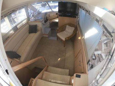 Carver 325 Aft Cabin image