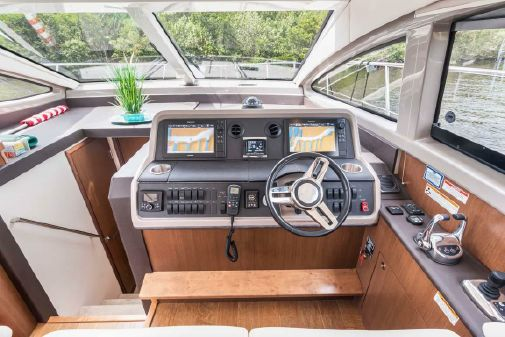 Sea Ray 400 Sundancer image