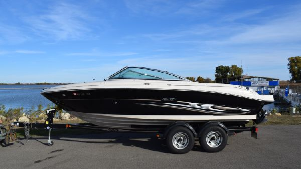 Sea Ray 200 Bow Rider