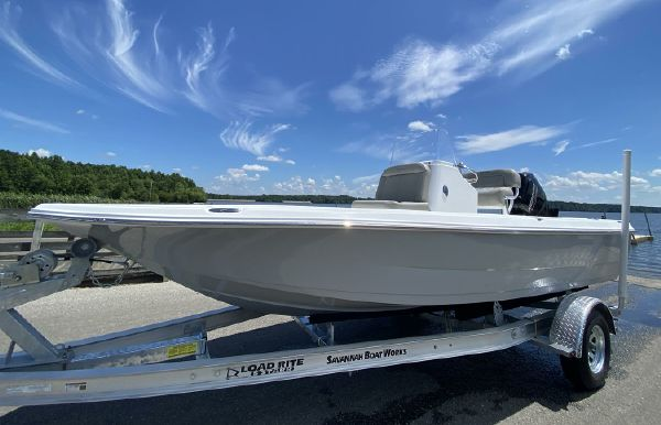 2022 Savannah 190 IS