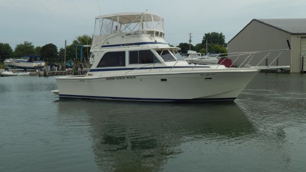 Chris-Craft 382 Commander